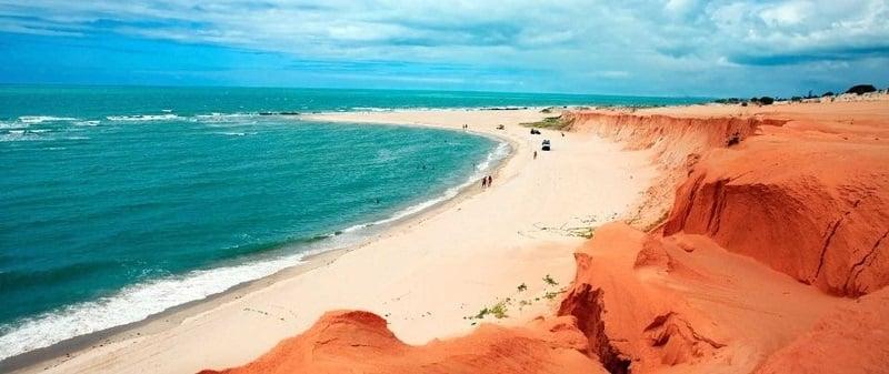 Melhores praias nos arredores de Fortaleza: Canoa Quebrada