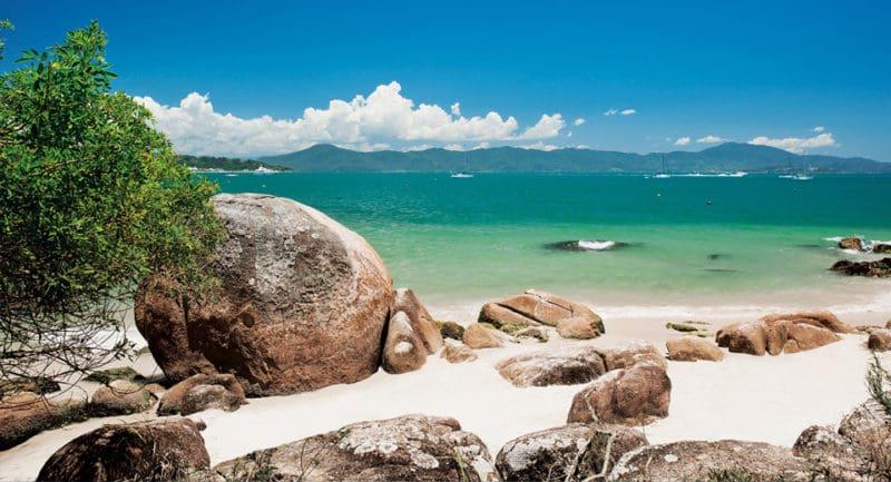As Melhores Praias em Florianópolis: Praia de Jurerê