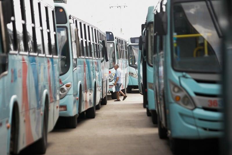 Como ir do aeroporto até o centro turístico de Fortaleza: Ônibus