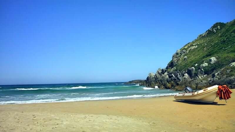 Praia da Lagoinha do Leste em Florianópolis: Passeio de barco