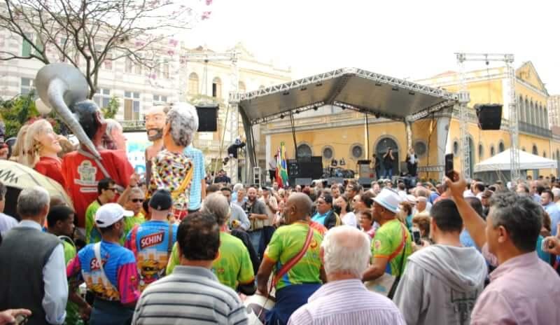Mercado Público de Florianópolis: apresentações folclóricas e artísticas