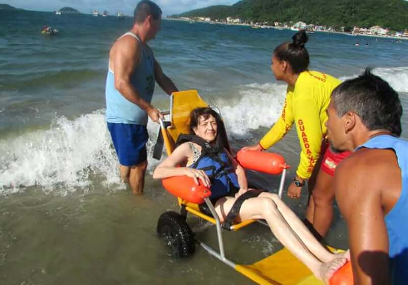 Deficientes Físicos em Florianópolis: Cadeiras adaptada