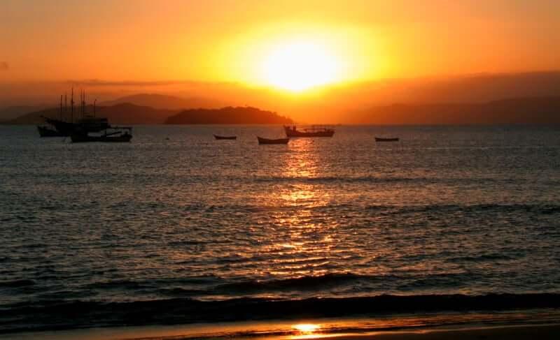 Praia da Lagoinha de Ponta das Canas em Florianópolis