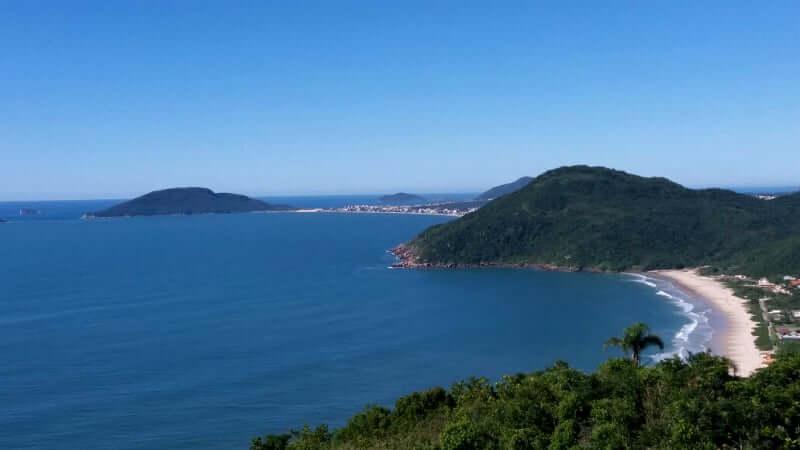 Praia da Lagoinha de Ponta das Canas em Florianópolis: Morro do Rapa