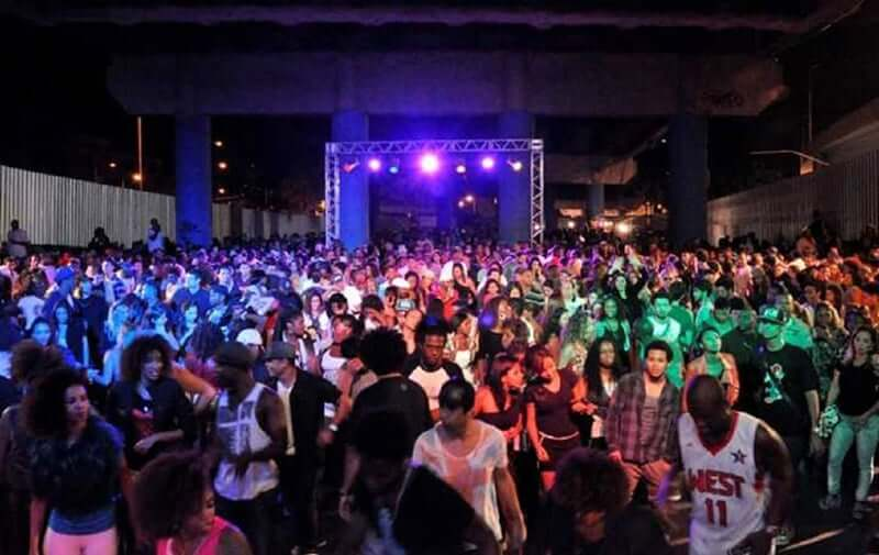 Baile Charme no Viaduto Madureira no Rio de Janeiro