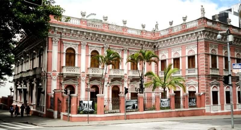 Palácio Cruz e Sousa em Florianópolis: Lateral do palácio