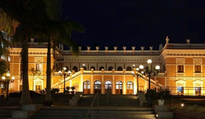 Palácio Cruz e Sousa em Florianópolis: Palácio iluminado