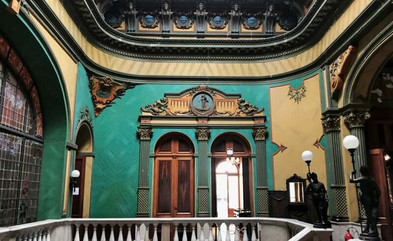 Palácio Cruz e Sousa em Florianópolis: Detalhes do Interior