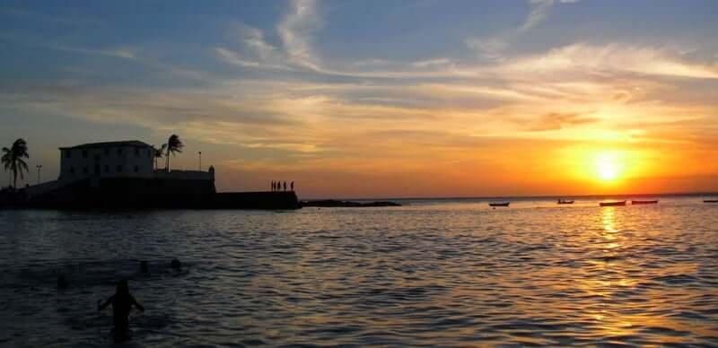 Melhores praias em Salvador: Pôr do Sol no Porto da Barra