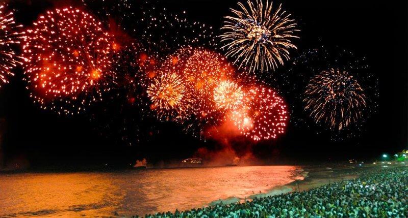 Réveillon em Florianópolis: Queima de fogos na praia
