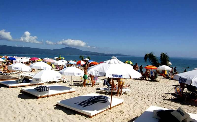 Mapa Turístico de Florianópolis: Beach Club na Praia de Jurerê Internacional