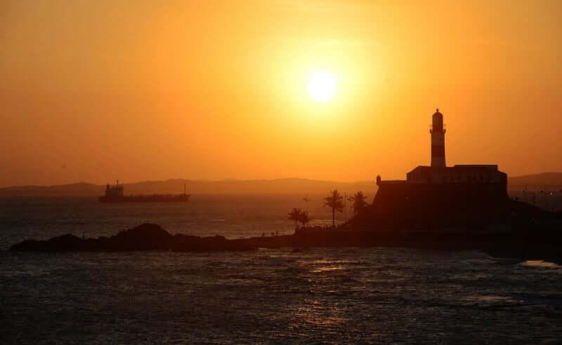 Roteiro de 1 dia em Salvador: Pôr do sol na praia