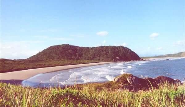 Ilha do Mel saindo de Curitiba: Praias