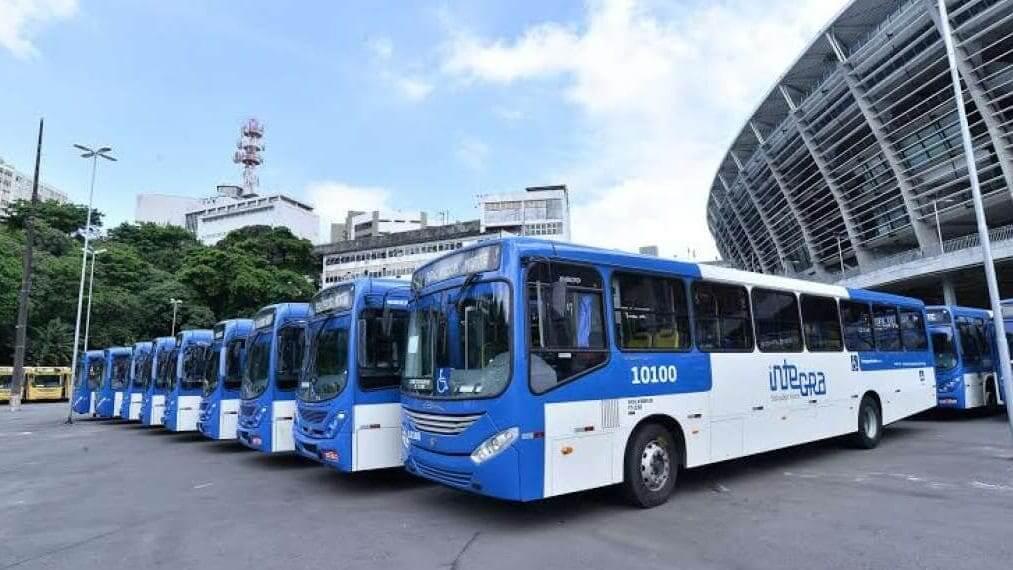 Como ir do aeroporto de Salvador até o centro turístico: Ônibus comum