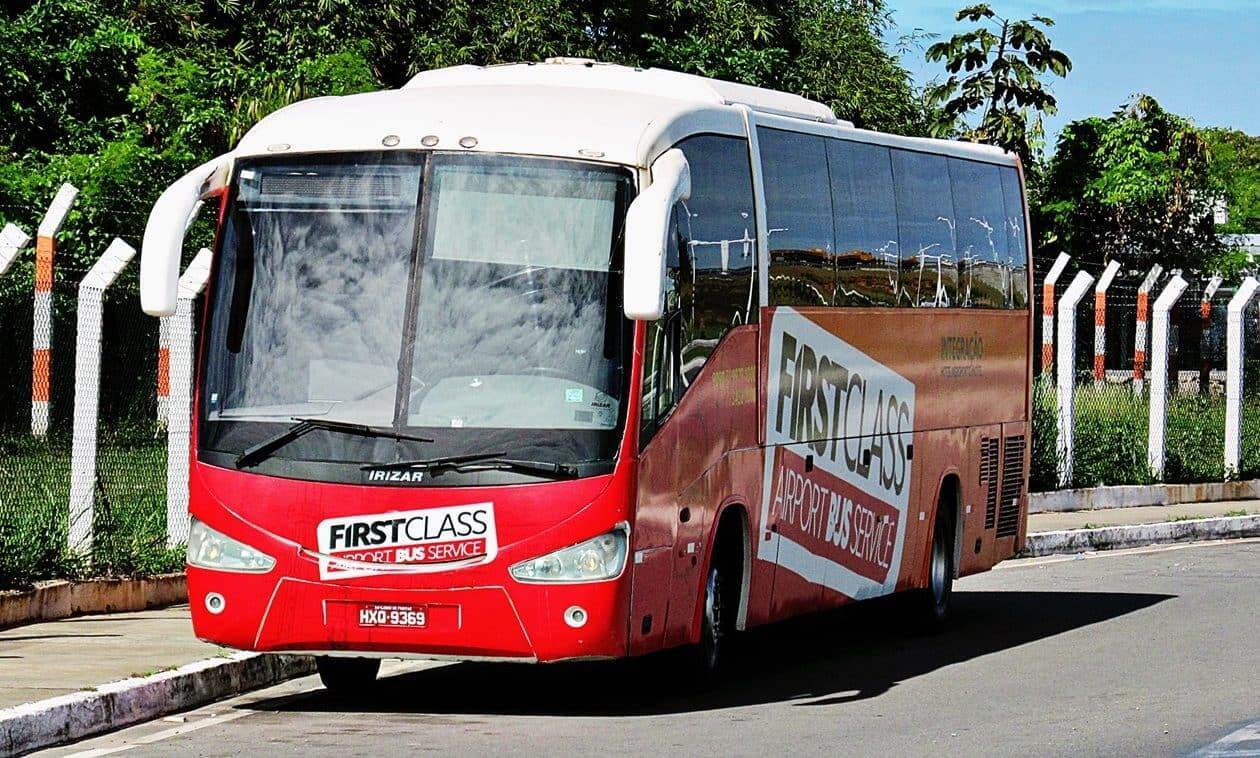 Como ir do aeroporto de Salvador até o centro turístico: First Class Bus