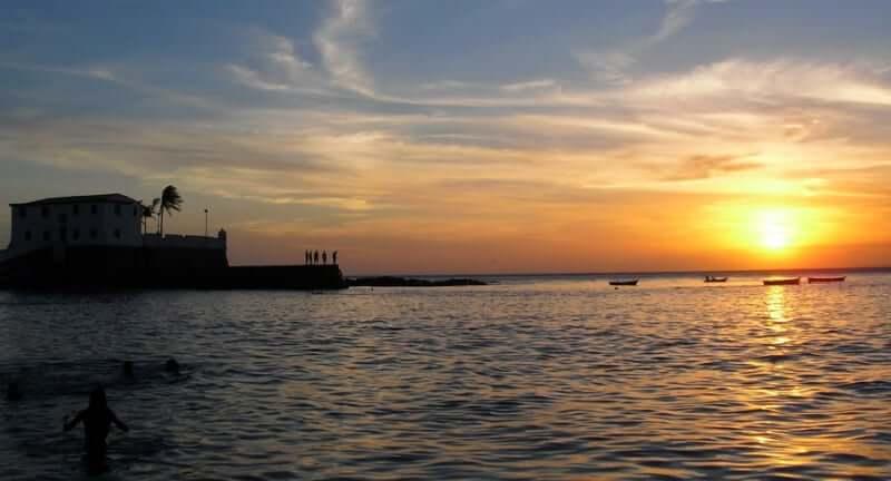 Clima e temperatura em Salvador: Pôr do Sol na Praia do Porto da Barra