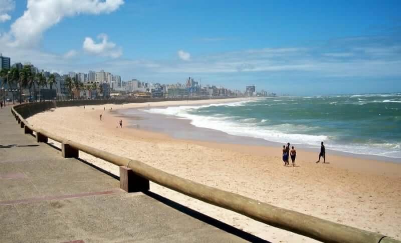 Praia de Amaralina em Salvador: Orla da praia