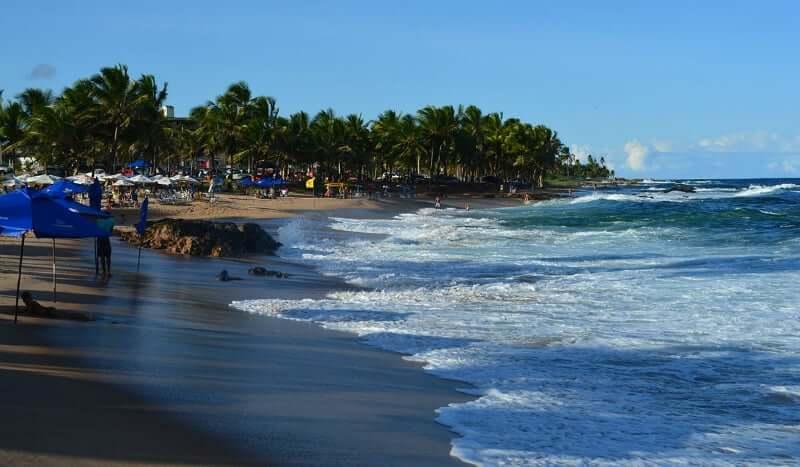Praia de Itapuã em Salvador: Movimentação