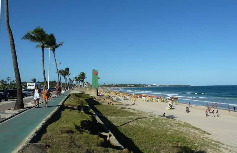 Praia de Jaguaribe em Salvador: Orla