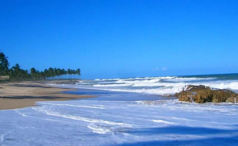 Praia de Jaguaribe em Salvador: Praia de Itapuã