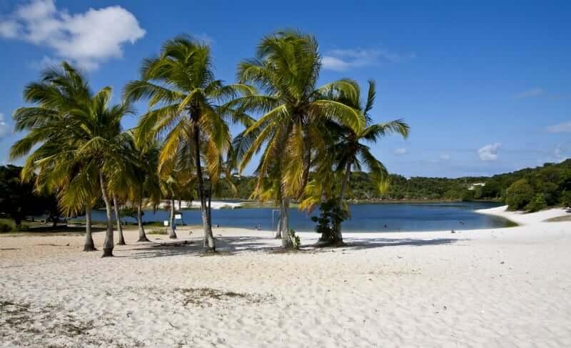 Praia de Itapuã em Salvador: Lagoa de Abaetê