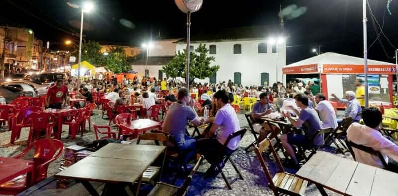 Roteiro de 5 dias em Salvador: Barraca de Acarajé no Rio Vermelho