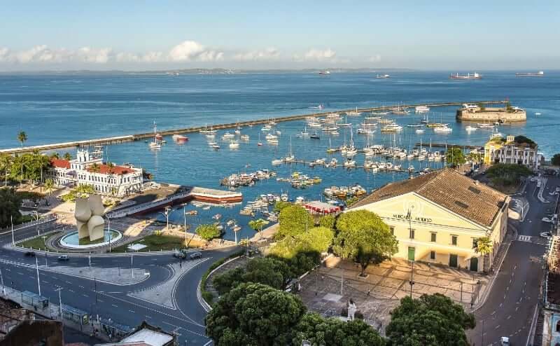 Mercado Modelo em Salvador: Mercado Modelo e a Praça Visconde de Cairu