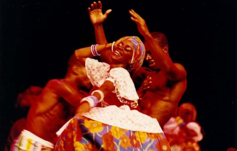 Bahia Noite em Salvador: Danças Regionais