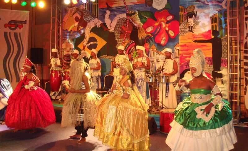 Bahia Noite em Salvador: Apresentações com toques do Candomblé
