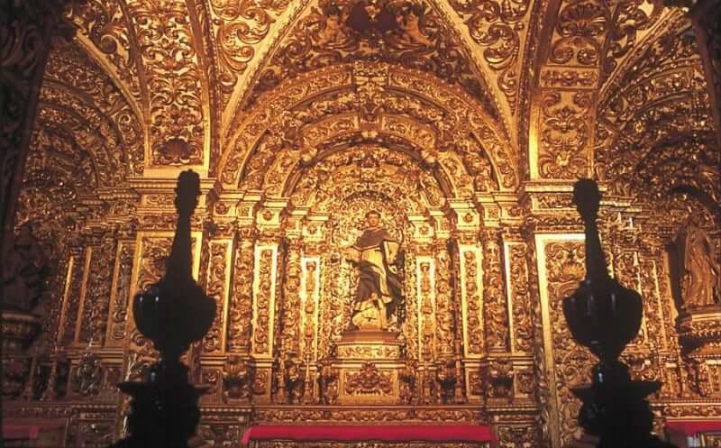 Igreja e Convento de São Francisco em Salvador: Detalhes em ouro