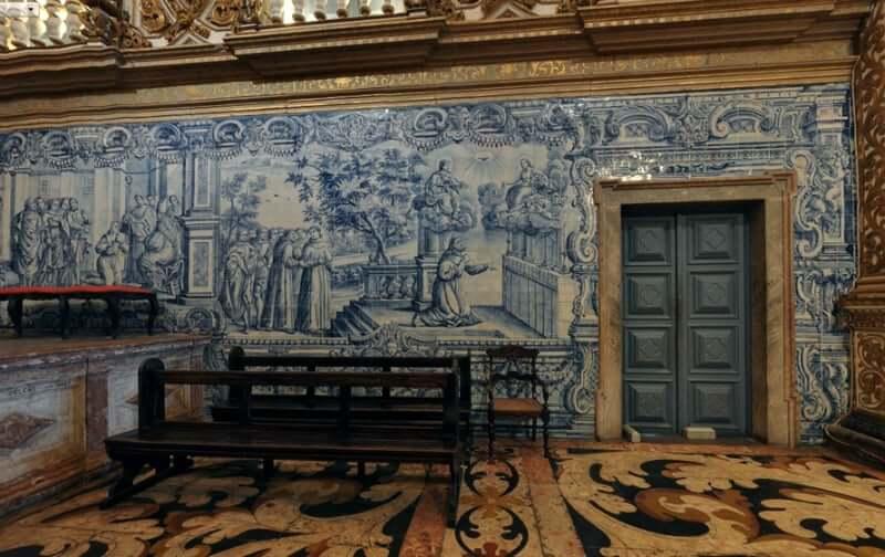 Igreja e Convento de São Francisco em Salvador: Azulejos portugueses