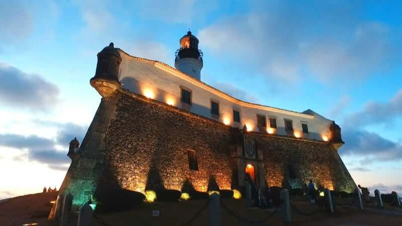 Museu Náutico da Bahia em Salvador: Farol à noite