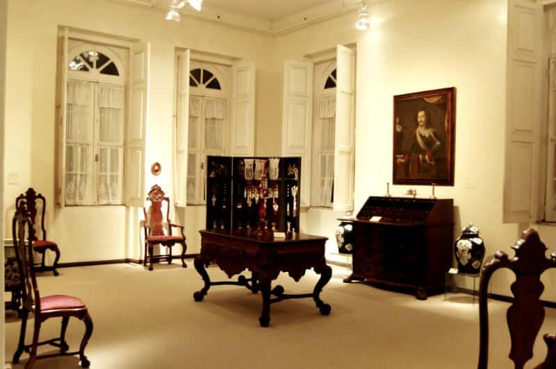 Museu de Arte da Bahia em Salvador: Quadros e móveis antigos