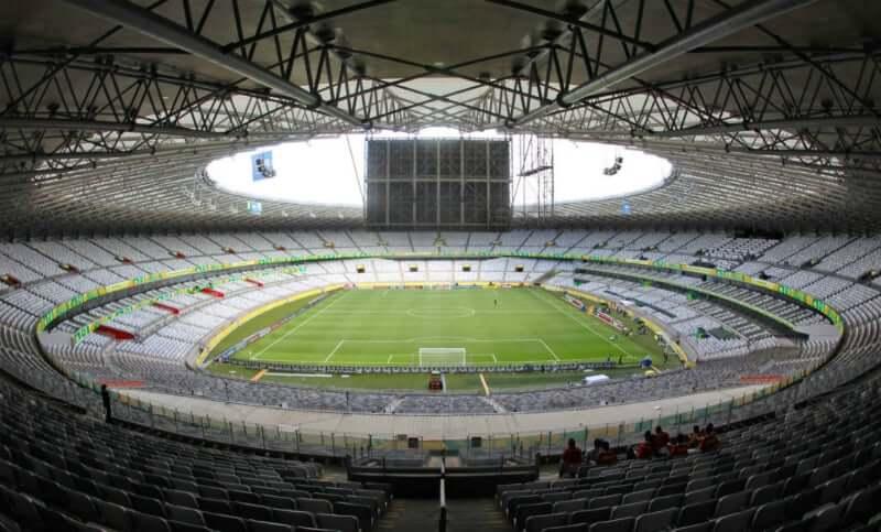 Estádio Governador Magalhães Pinto em Belo Horizonte: Arquibancada