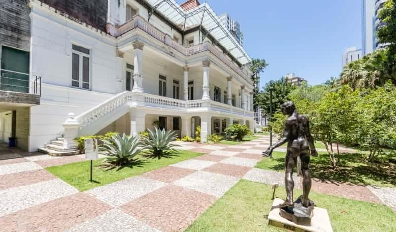Palacete das Artes em Salvador: Jardim do Palacete