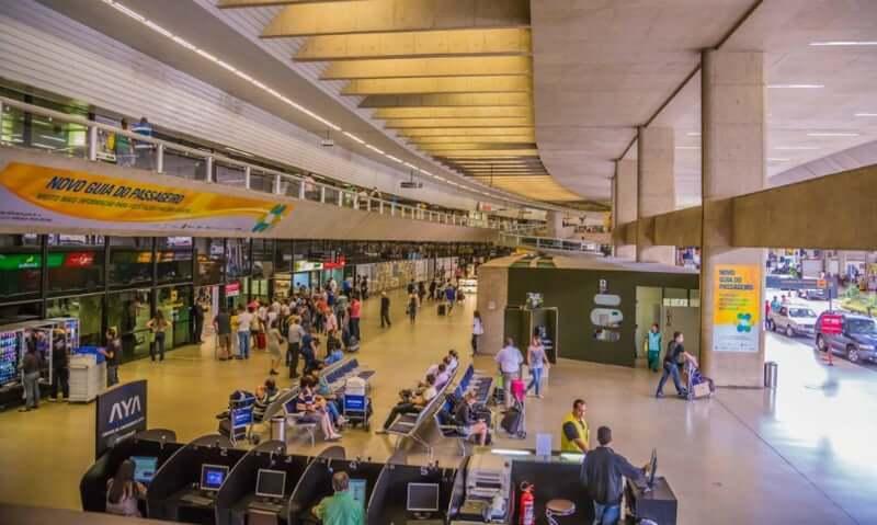 Como ir dos aeroportos de Belo Horizonte até o centro da cidade: Interior do Aeroporto Internacional de Belo Horizonte (Confins)