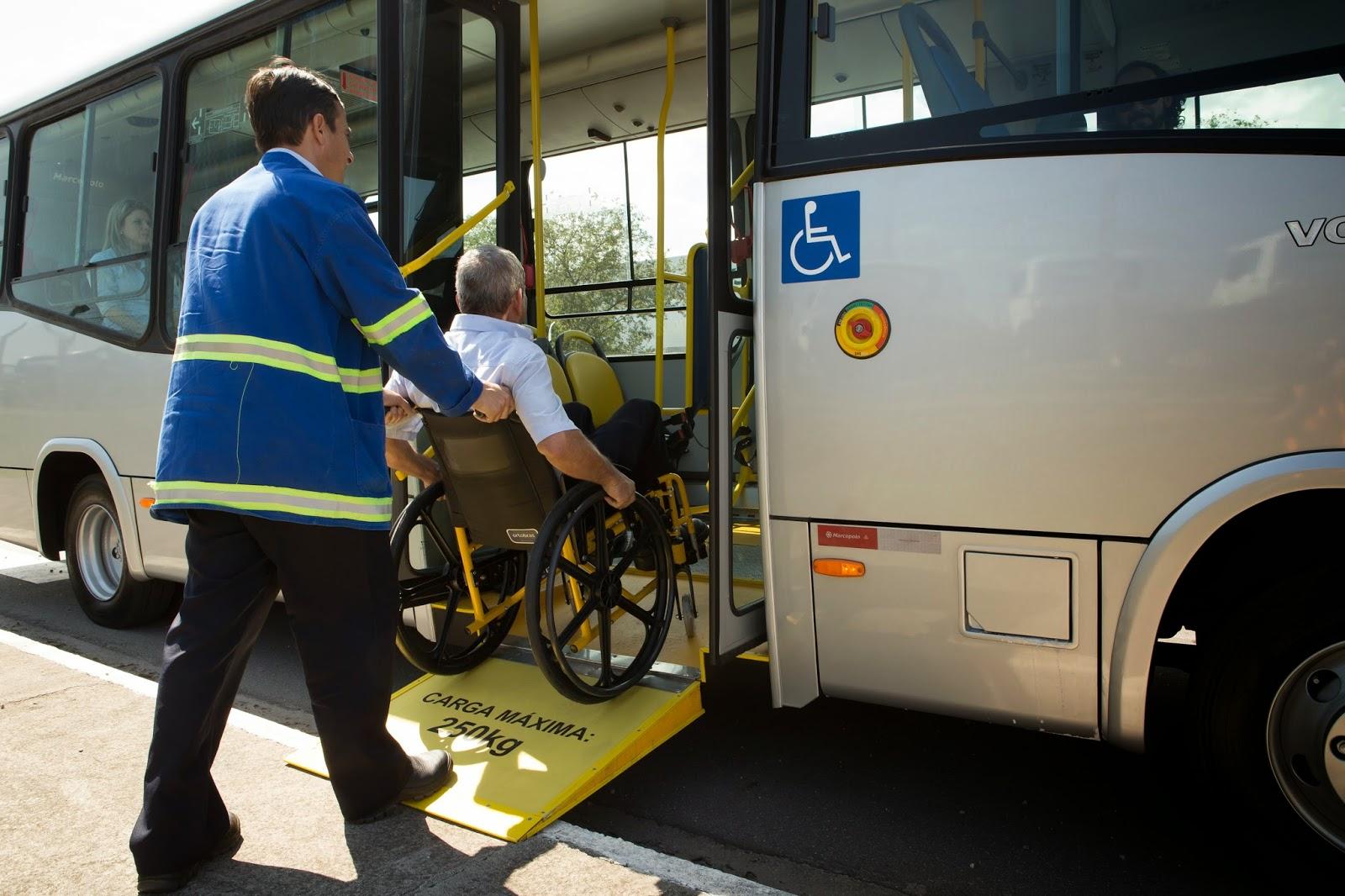 Deficientes físicos em Belo Horizonte: Ônibus adaptado