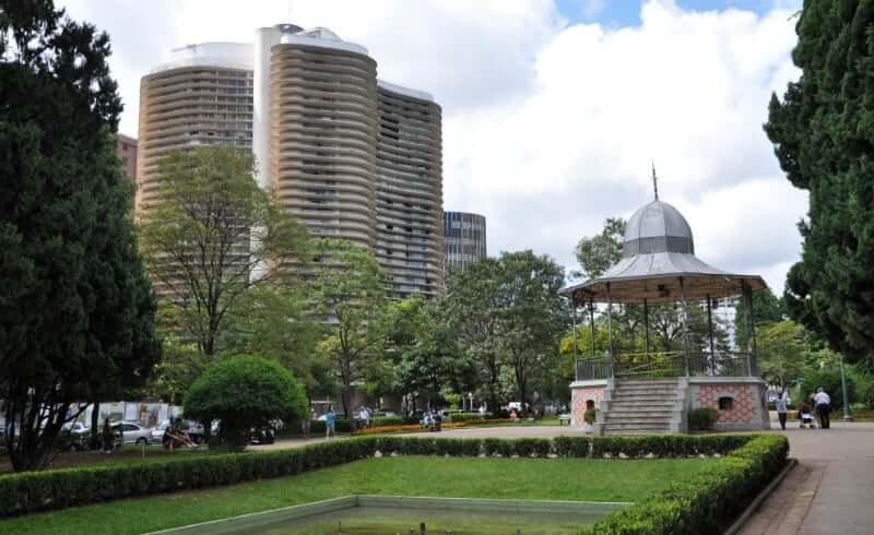 Palácio da Liberdade em Belo Horizonte: Praça da Liberdade