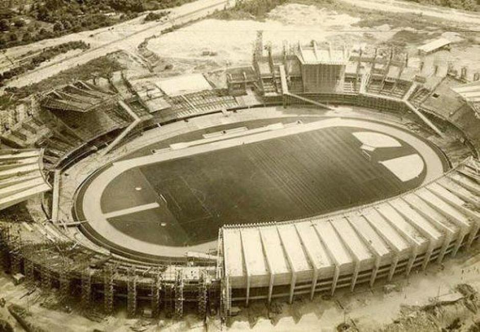 Estádio Governador Magalhães Pinto em Belo Horizonte: Construção