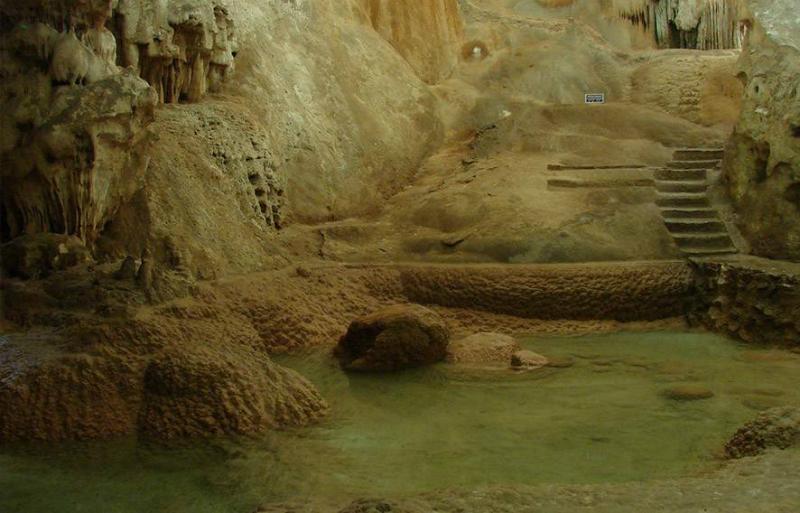 Gruta do Maquiné em Belo Horizonte: Caminhos pela caverna