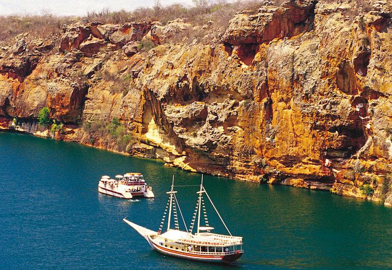 Passeios em Maceió: passeio de barco pelos Cânions do Xingó
