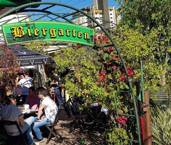 O que fazer no verão em Blumenau: Biergarten