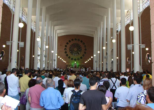 Catedral São Paulo Apóstolo em Blumenau: Rosácea