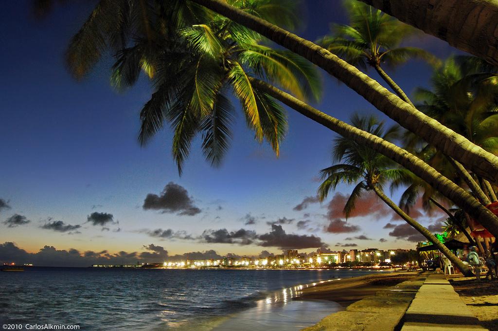O que fazer a noite em Maceió: Praia de Ponta Verde